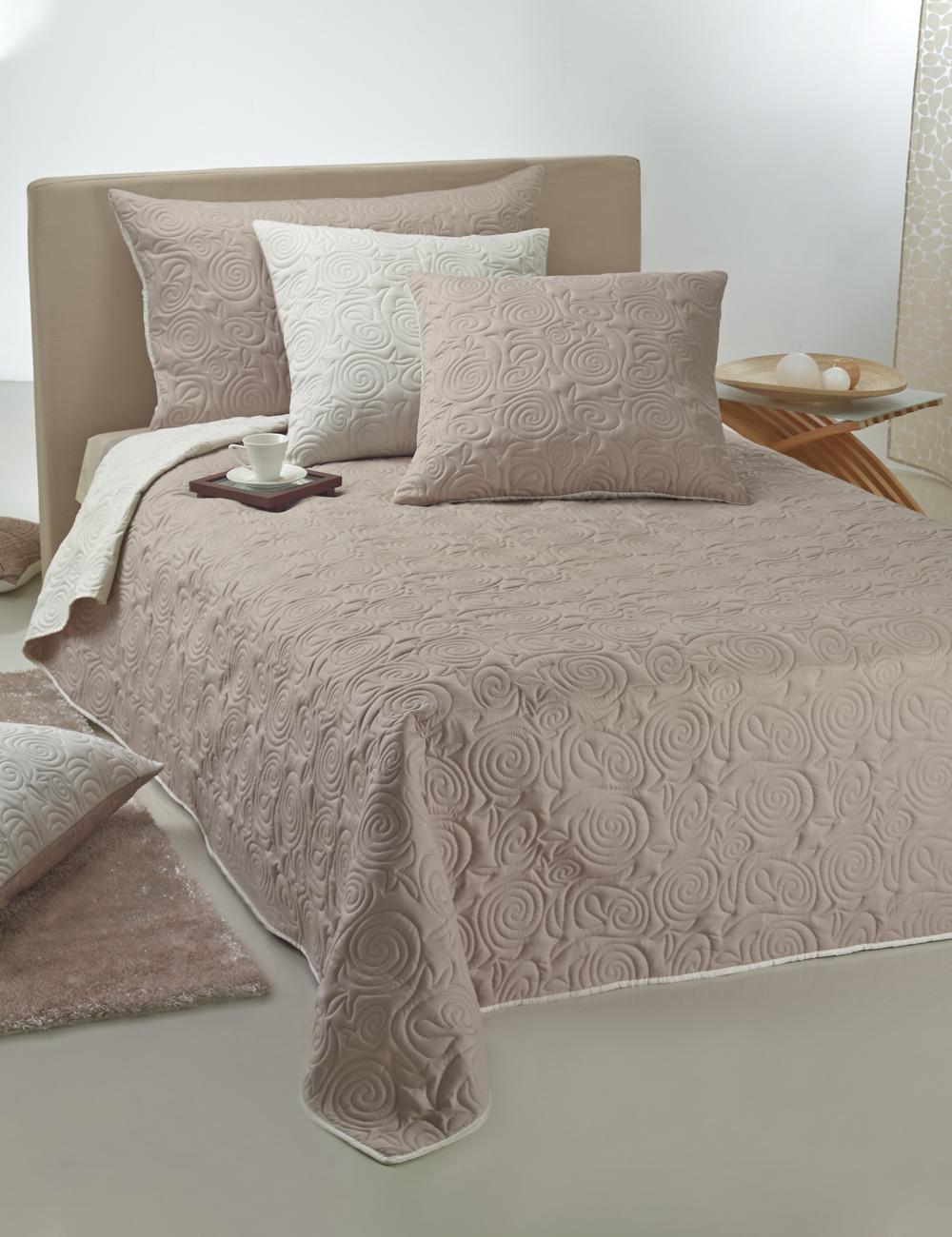 couvre lit ultrasonic 240 x 260 cm ivoire taupe. Black Bedroom Furniture Sets. Home Design Ideas